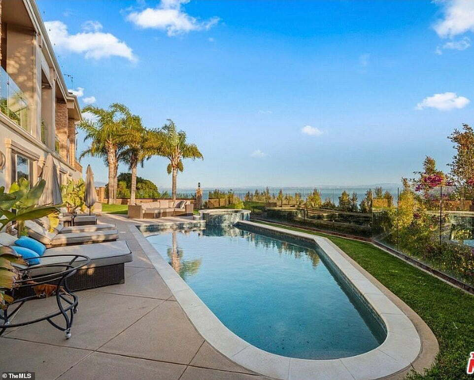 Suge Knight's Malibu Mansion Goes On Sale For $30m